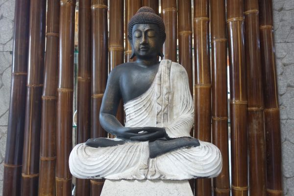 k003-buddha-statue-meditation