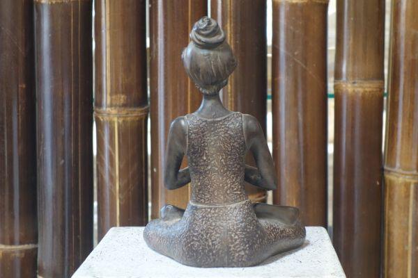 Yoga Dame Figur Statue Skulptur Feng Shui Fitness Lava Stein Braun