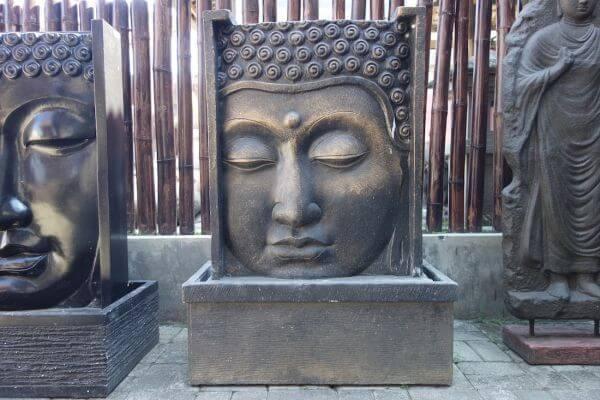 k026-buddha-brunnen-wasserfall-wasserwand-relif.jpg