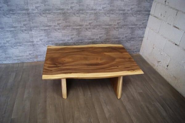 g120-esstisch-baumkante-baumtisch-akazie-holz-fusse-tisch.jpg