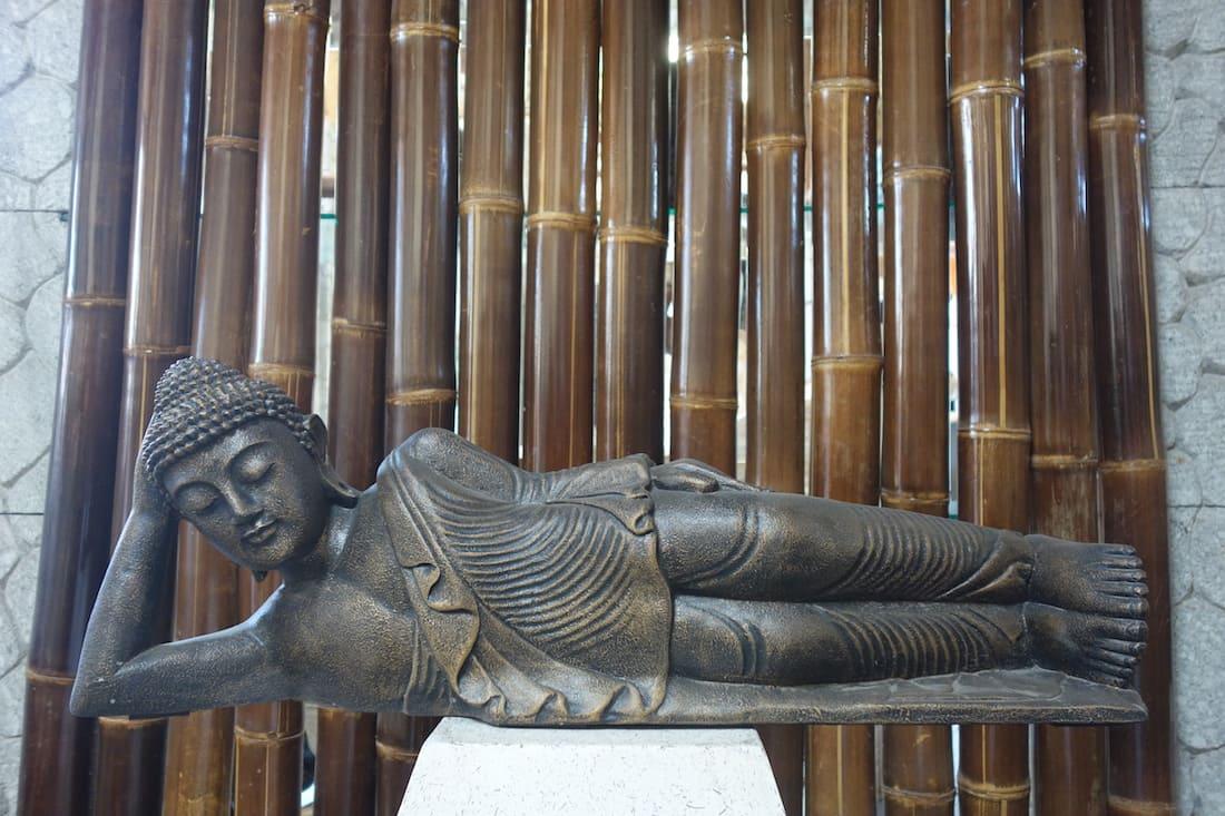 Details zu Relax Schlafend Buddha Liegend Buddha Lavastein Statue Skulptur  Asie Steinfigur